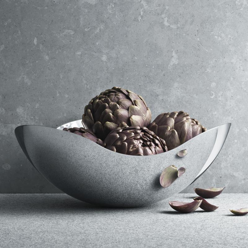 Smuk BLOOM mirror bowl in stainless steel | Georg Jensen YN-37