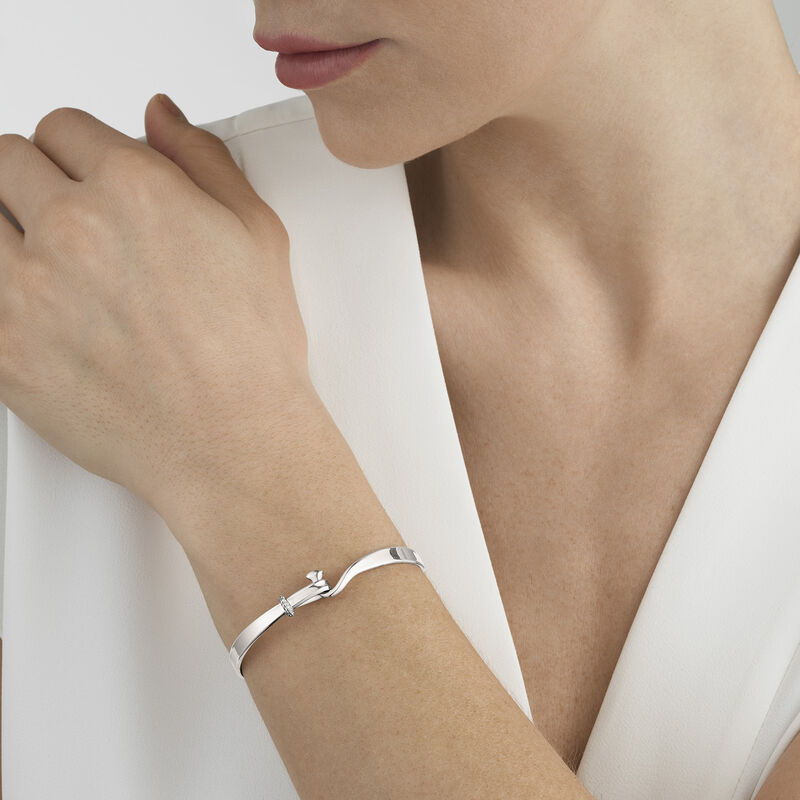 TORUN bangle - sterling silver with brilliant cut diamonds