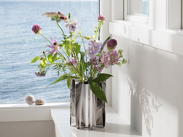 Frequency vase