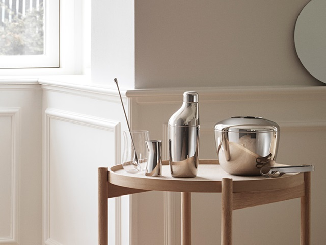 Sky Set - Shaker, Stirring Spoon and Jigger in mirror polished stainless steel. Sky Ice Bucket with Ice Tongs in mirror polished stainless steel. Cobra Tumbler in glass