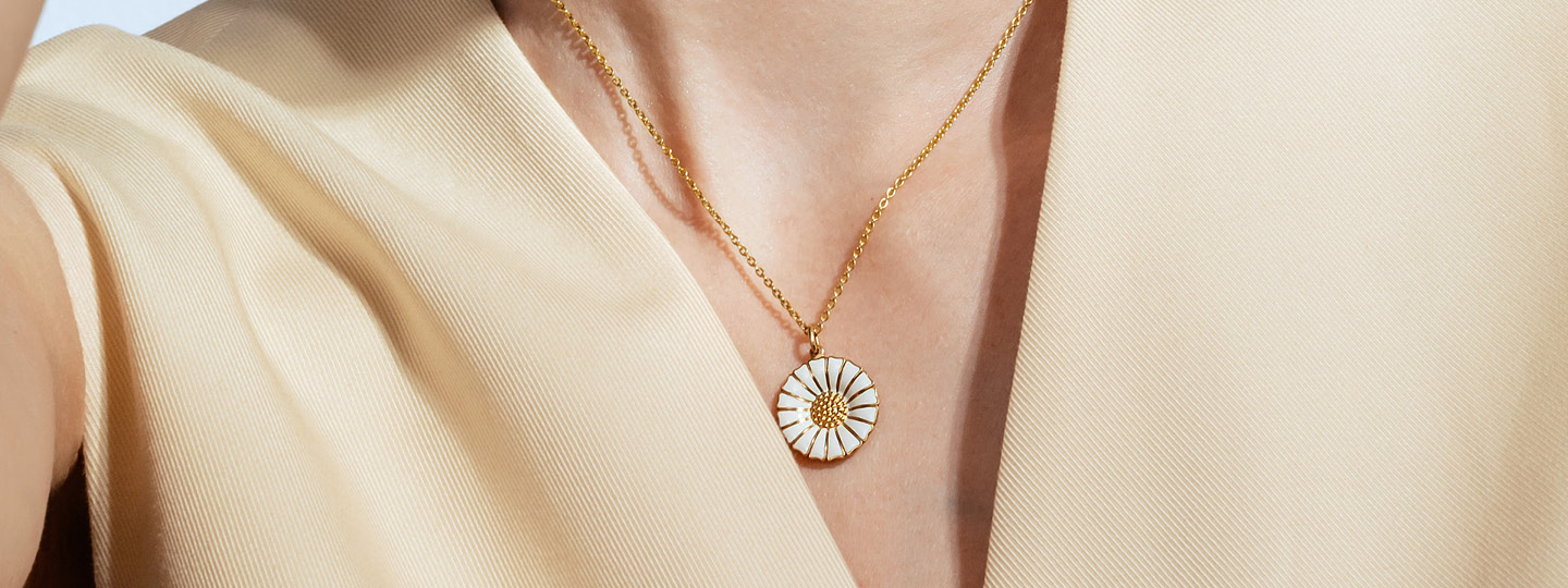 Daisy gold plated large necklace from Georg Jensen