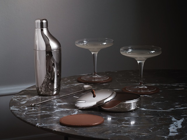 Georg Jensen Danish design bar collection Sky mirror polished stainless steel set of shaker and drink coaster set