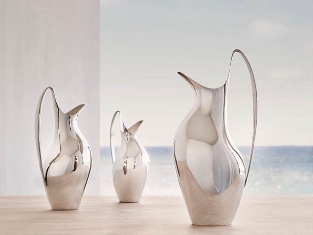 HK pitchers in mirror-polished stainless steel