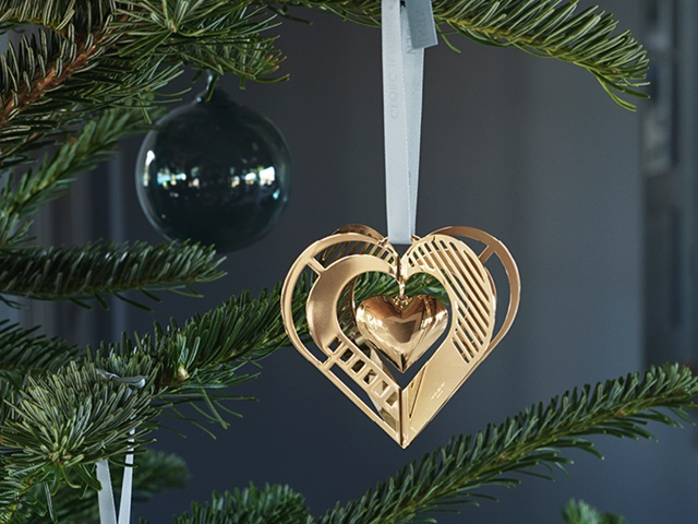 GJ Christmas 2019 10015293 heart gold