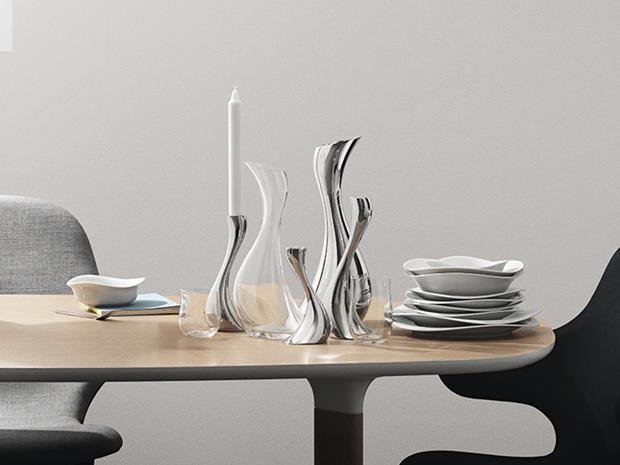 Cobra tablesetting, plates, carafe, glasses, candleholders