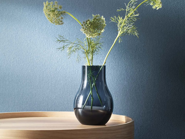 Cafu vase (medium) in blue glass