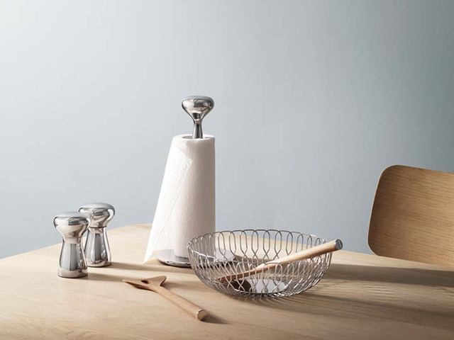 Alfredo salt and pepper, kitchen roll holder and bread basket mirror polished stainless steel and Alfredo salad servers in oak wood