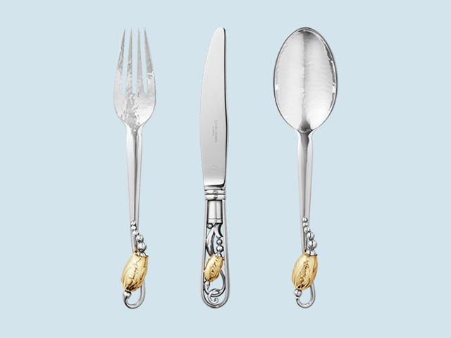 Silver cutlery	tablesetting