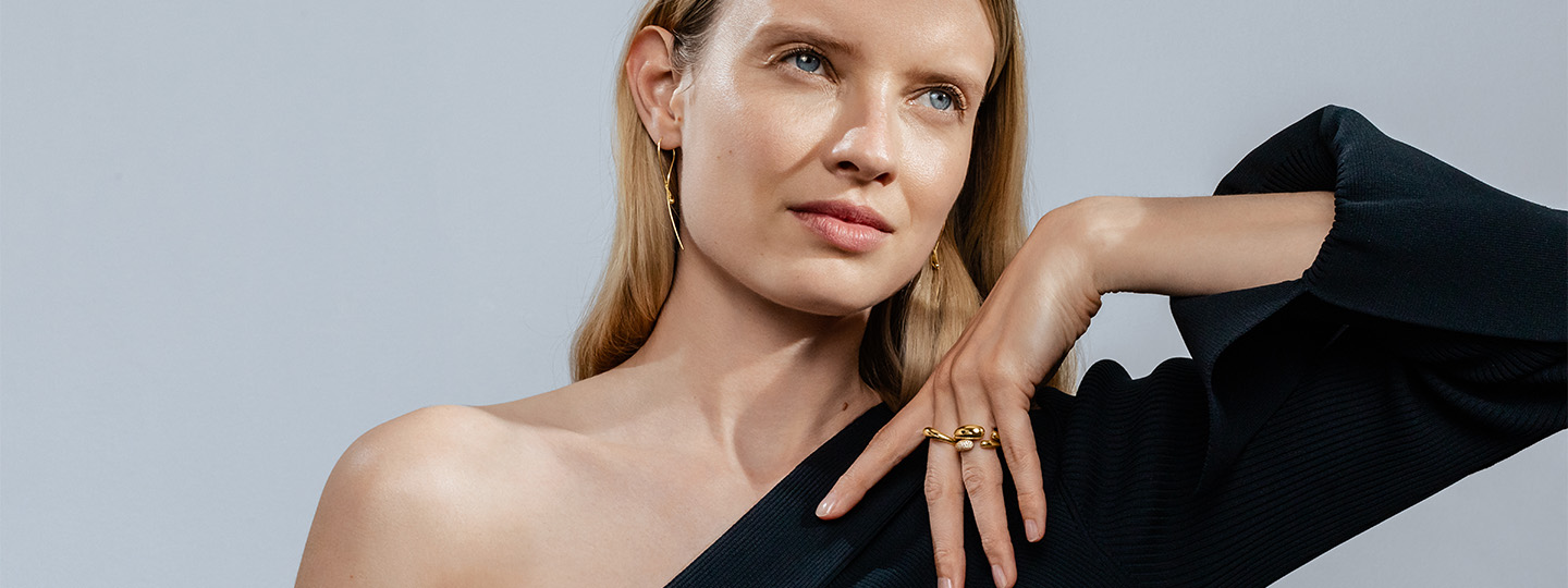 18 kt. gold and diamonds rings and earrings from the Mercy collection designed by Jaqueline Rabun