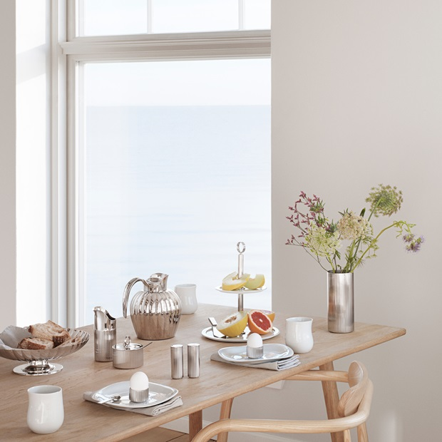 bernadotte tablesetting in stainless steel and cobra tableware in white porcelain