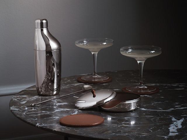 Georg Jensen Danish design bar collection Sky mirror polished stainless steel set of shaker and drink coaster set