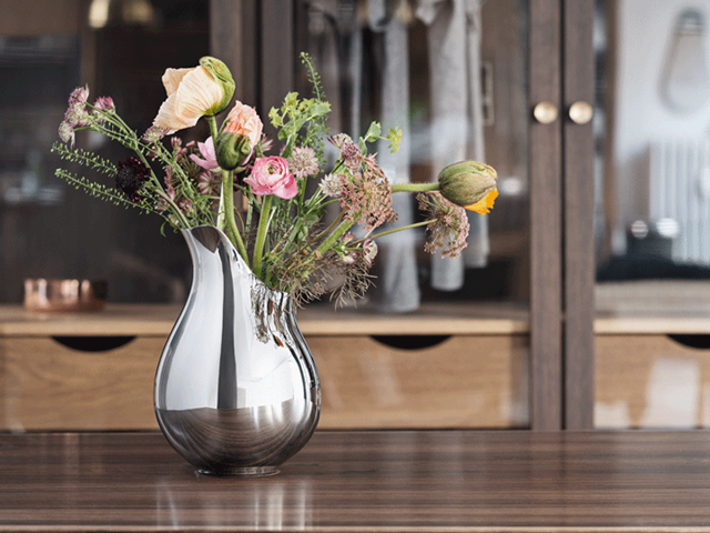Mama vase in stainless steel