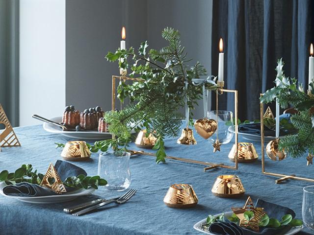GJ Christmas 2019 dinner table ornaments tealights